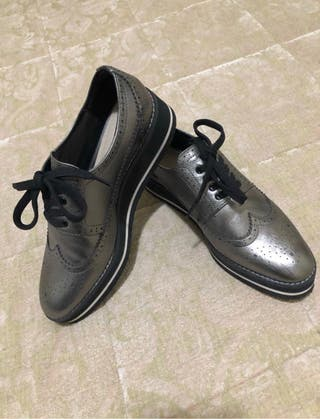 Zapatos efecto metalizado Zara Woman T38