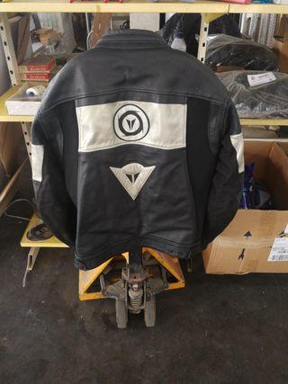 chaqueta de moto Dainese cuero y cordura talla 54