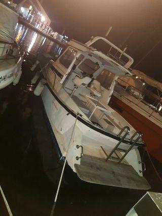 embarcacion de 8 metro de eslora