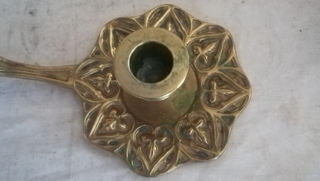 Antigua palmatoria modernista de bronce