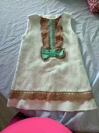 vestidos de niña a 5 euros cada vestido