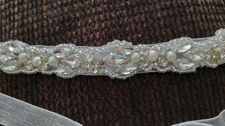 Cinturón o diadema de novia