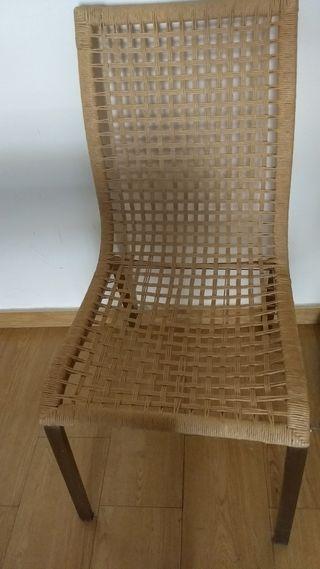 vendo 3 sillas Ikea ( 2 en perfecto estado)