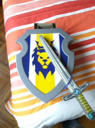 Escudo Castillo y Espada Playmobil. Cambio o vendo