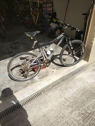 Bici decathlon doble suspensión