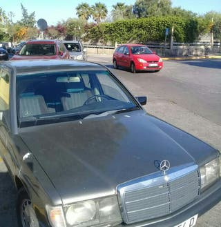 Mercedes-Benz 190 2.5 1988