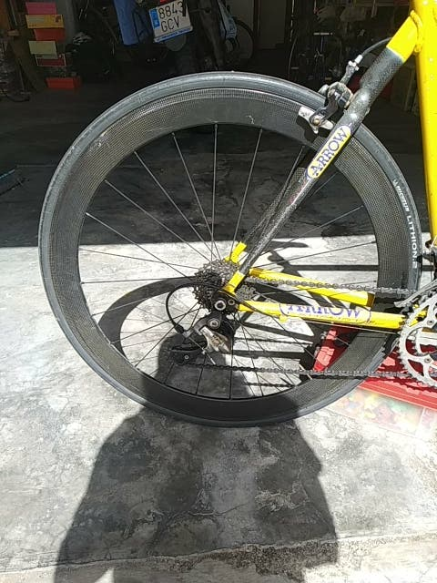 Bici carretera aluminio con ruedas de carbono