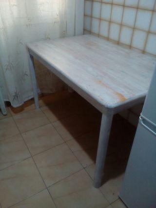 mesa de salon o cocina.Urge por mudanza!!