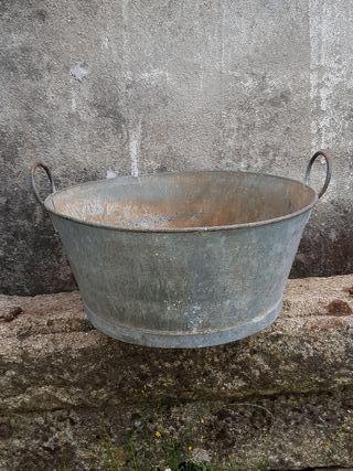 balde antiguo para decoracion