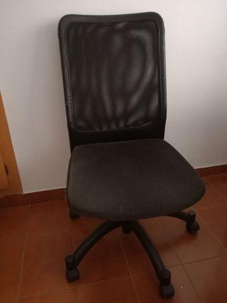 Silla de escritorio (con ruedas)