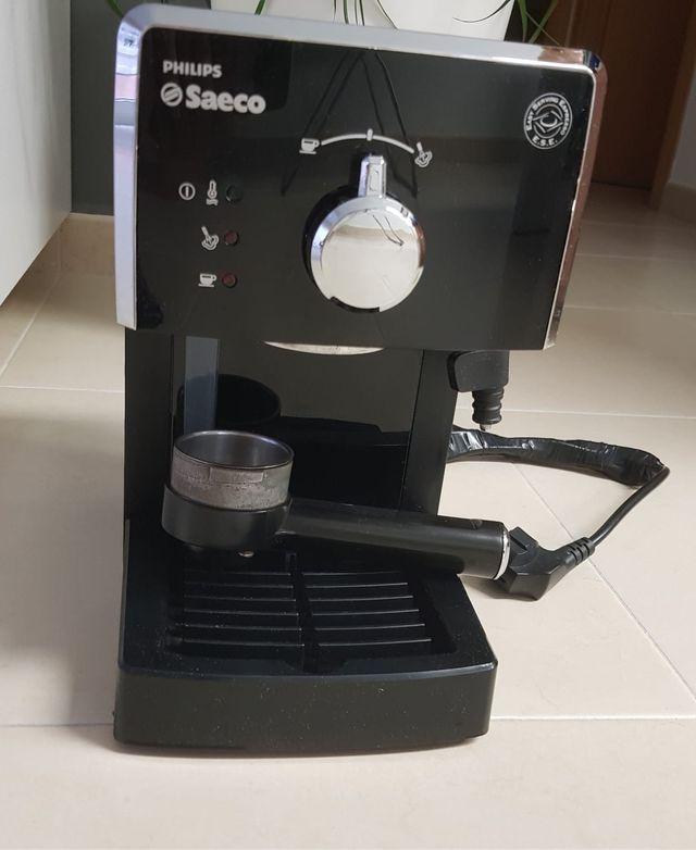 Cafetera Saeco (café molido)