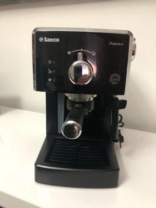 Cafetera Espresso Philips Saeco Poemia