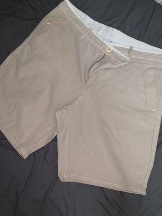 Pantalon corto MASSIMO DUTTI