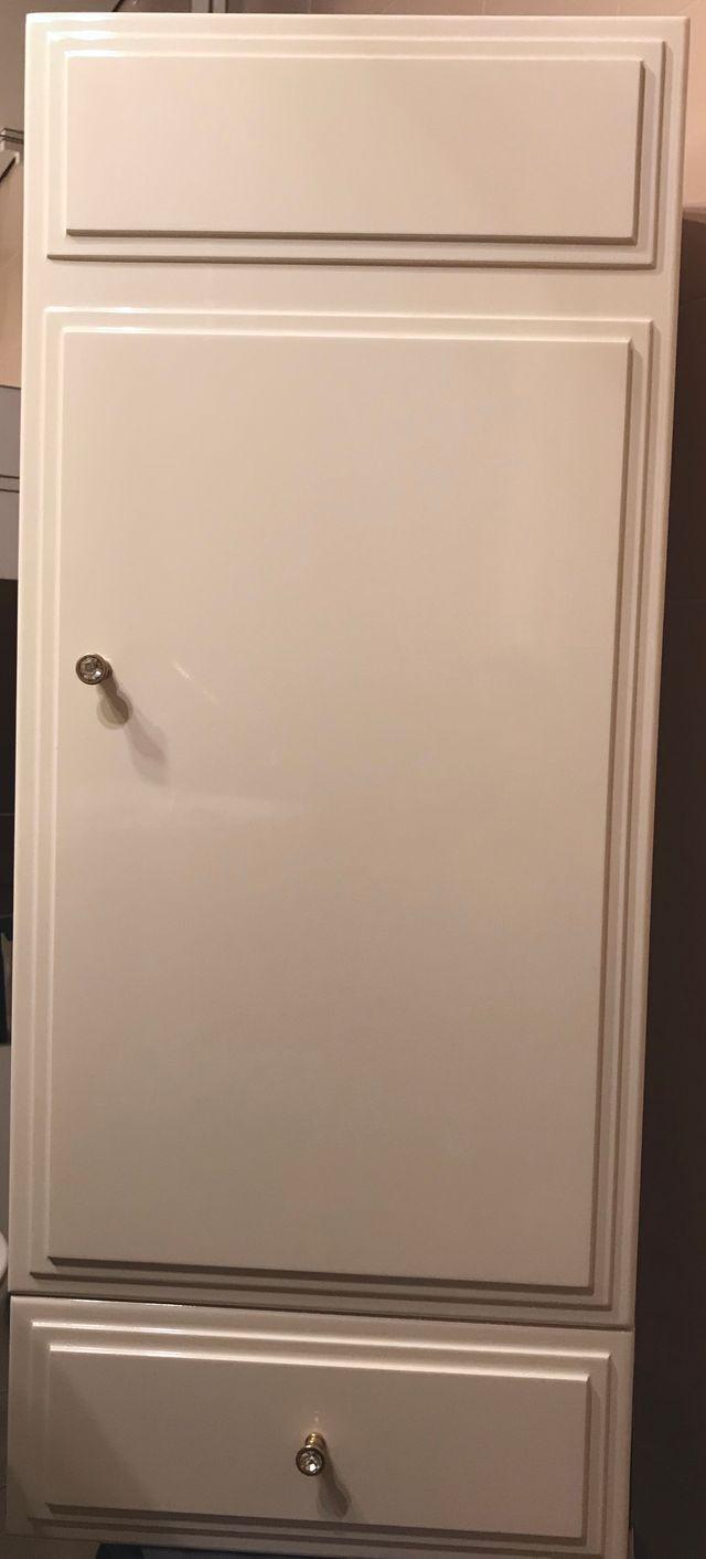 2 Armarios para cuarto de baño de segunda mano por 40 € en ...
