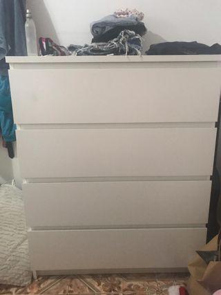 Cómoda blanca Ikea