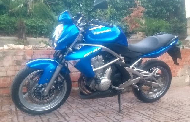 Kawasaki er6 650cc