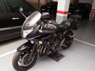 Moto Suzuki GSF Bandit 650 SA cadenada (ABS)