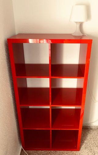 Estantería roja IKEA