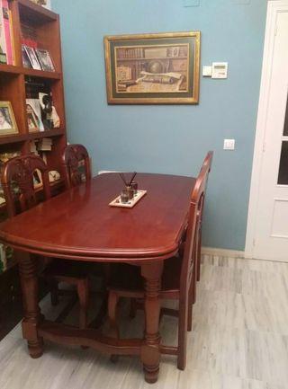 Mesa + cuatro sillas