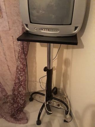 Televisión con mesilla Regulable y tdt