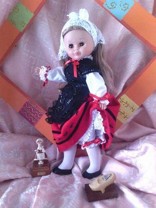 Nancy. trajes regionales asturianos