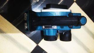 Cepillo Makita DKP180 18v 82mm 1.5AH