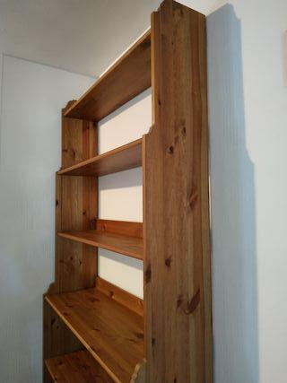 Regalo estanterías de madera Ikea
