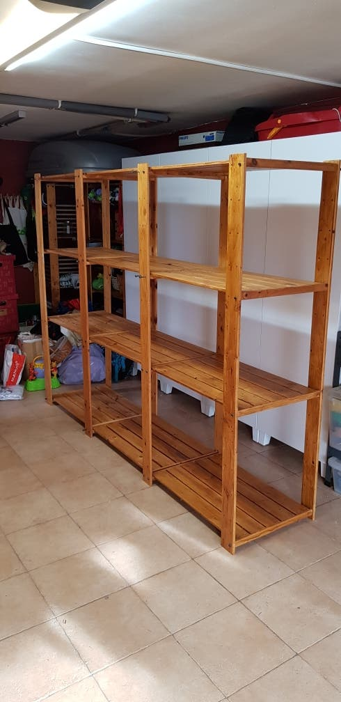 estantería ikea madera barnizada