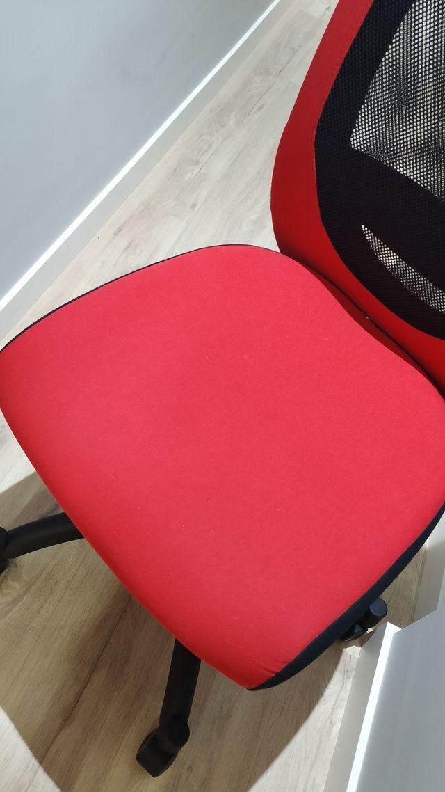 Silla de ordenador Flintan IKEA en color rojo