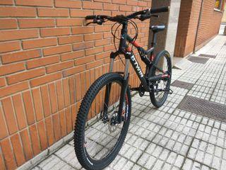 Bicicleta de montaña btwin 520s, doble suspensión