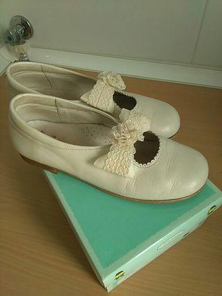 Zapatos niña piel