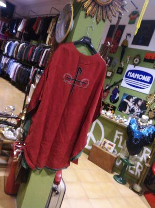 Casulla antigua traje religioso para dar misa