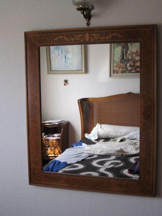 Espejo rectangular de madera