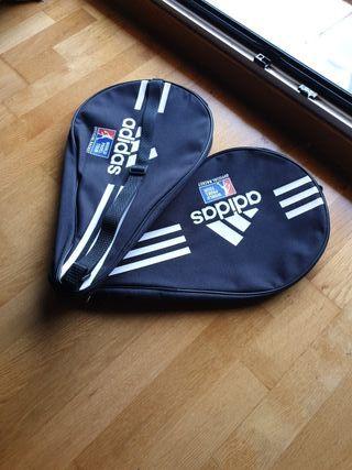 dos fundas de raquetas pádel Adidas