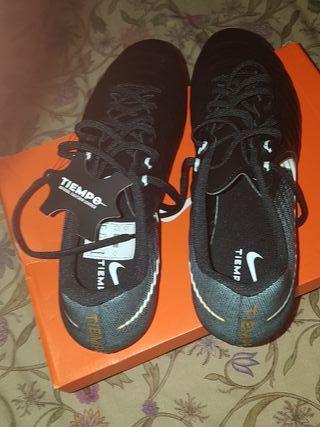 Botas de fútbol Nike Tiempo Ligera IV FG Talla 45