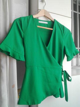 Blusa Zara. Verde intenso.
