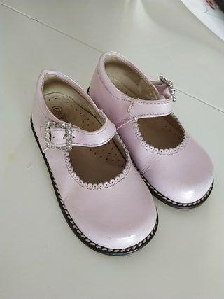 f5c0998745b Zapatos para niñas de segunda mano en Albacete en WALLAPOP