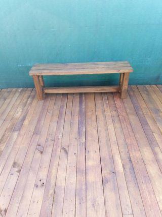 banco de madera de pino