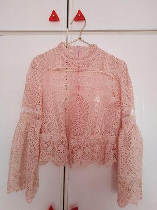 Blusa mujer encaje rosa palo. Talla M
