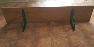 2 estanterias/baldas de madera en verde