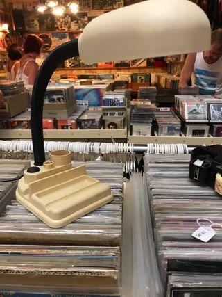 Antigua lampara de mesa flexo vintage