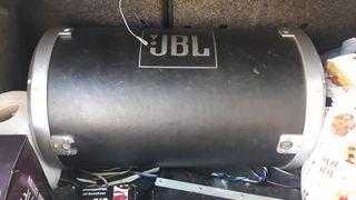 bombo JBL con etapa marca MAC de 4200