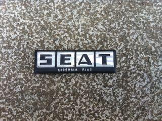 Emblema Seat 124 (calandra)