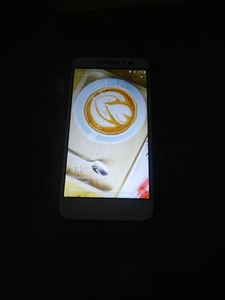 Smartphone alcatel shine lite en estado nuevo.