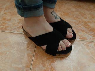 b0d6dfd9 Sandalias de cuña negras de segunda mano en Alicante en WALLAPOP