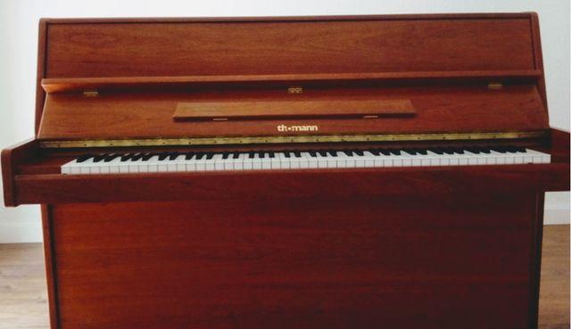 Vendo piano Thomann