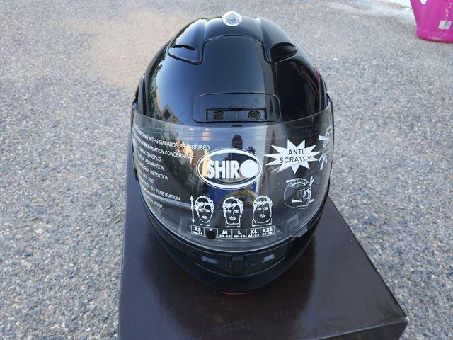 Casco Shiro totalmente nuevo.