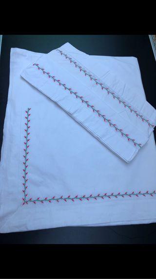 Sabana antigua bordada a mano algodón