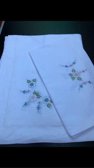 Sabana bordada antigua algodón