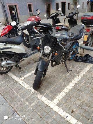 Yamaha Tzr 50cc Naked (DADA SE BAJA)
